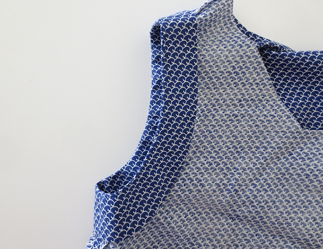 8-sleeveless-dress-facing
